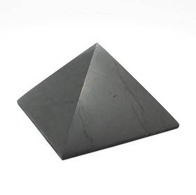 Schungitpyramiden